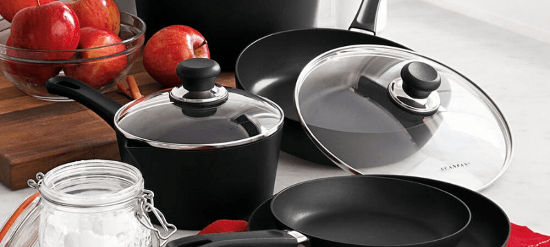 scanpan cookware set come with some fresh tomatoes